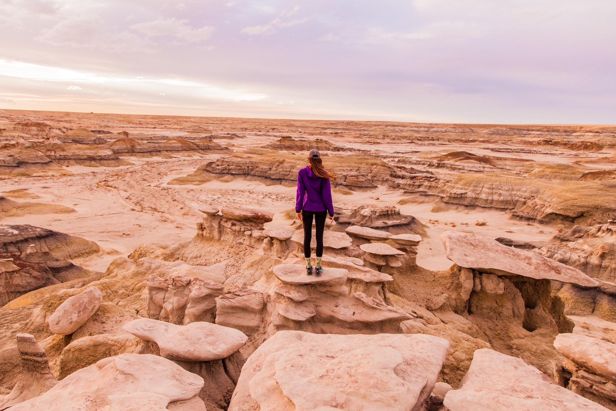 arid-canyon-cliff-965159